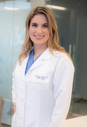 Munique Maia, MD